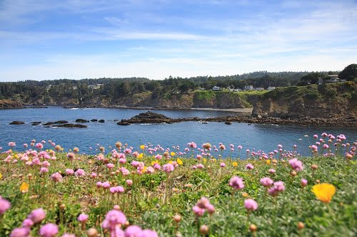 One of the best places to stay in Mendocino for a great view of the Agate Cove