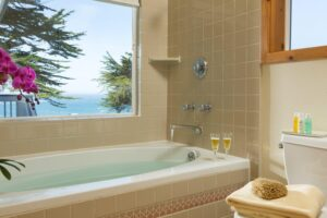 Sea Rock Inn Suite 11 bath