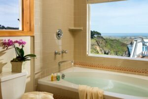 Sea Rock Inn Suite 12 bath
